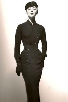 Christian Dior dress, 1958. Quint'essenza della donna....