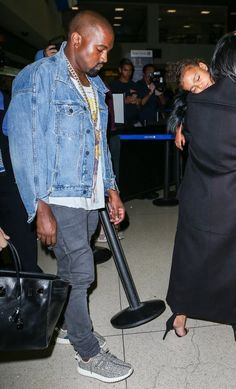 Kim Kardashian Photos Photos: Pregnant Kim Kardashian & Kanye West Catch a Flight at LAX Kim Kardashian Kanye West, Kardashian Photos, Kardashian Jenner, Kanye West Style, Sneakers N Stuff, Bonnie Clyde, Kicks, Model, How To Wear