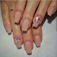 Nail art designs are quite a popular thing amongst girls. Just Explore here and see our Best & Easy Nail Art Designs to make your finger more beautiful. Cuffin Nails, Nude Nails, Pink Nails, Hair And Nails, Nail Polishes, Nails 2018, Gold Toe Nails, Nail Nail, Simple Nail Art Designs