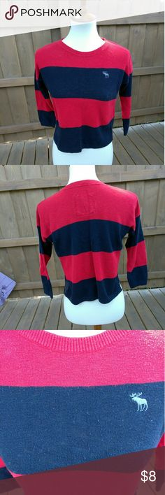Abrocrombie 3/4 sleeve sweater Signs of wear with some pilling and wear, still has some love left. Abercrombie & Fitch Sweaters Crew & Scoop Necks
