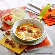 Paprika-Walnuss-Omelett aus der Pfanne Cheeseburger Chowder, Veggies, Soup, Glutenfree, Recipes With Eggs, Omelette, Red Peppers, Cooking Recipes, Vegetables
