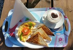 Omelette, toast, cappuccino and sunshine!!! ☕☕☕