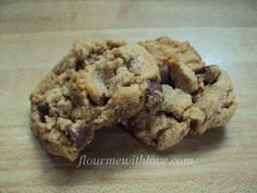 Flour Me With Love: Quick Easy Flourless Peanut Butter Chocolate Chip Cookies Just Desserts, Delicious Desserts, Yummy Food, No Flour Cookies, Cookies Et Biscuits, Sugar Cookies, Cookie Recipes, Dessert Recipes, Bar Recipes