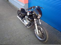 yamaha xv-250-xv-125 -cafe - bobber-custom-bike-umbau-daniel-schuh-espiat-6 Yamaha Virago, Chopper, Ride Or Die, Custom Bikes, Motorcycle, Vehicles, Awesome, Log Projects, Custom Motorcycles
