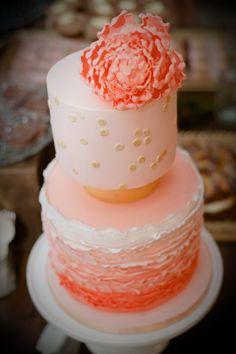 Wedding #Cake on SMP: http://www.stylemepretty.com/australia-weddings/2013/11/18/melbourne-art-gallery-wedding-from-tigs-macallan | Photography: Tigs Macallan