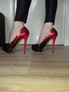 What a beautiful shoes,make you charming at any occasion. Ultra-high heels shoes will make you outstanding in the crowd.This shoes not only because it heel height,but also for its outline. Hot Shoes, Pump Shoes, Shoes Heels, Heeled Boots, Shoe Boots, Stripper Heels, Stiletto Heels, Stilettos, Pumps