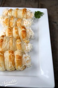 Cheese roll - Ingredients for 9 pieces: 1 pack of puff pastry 1 egg lightly .- Cheese roll – Ingredients for 9 pieces: 1 pack of puff pastry 1 egg lightly …-… Cheese roll – Ingredients for 9 pieces: 1 pack of puff… - Vegan Pastries, Mini Pastries, French Pastries, Chicken And Pastry, Cinnamon Roll Cupcakes, Oreo Cheesecake Recipes, Cheese Rolling, Chocolate Mousse Cake, Food Categories