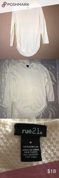 Rue 21 cream sweater Rue 21 cream sweater/ 2 side splits/ excellent condition/ size small Rue 21 Sweaters Crew & Scoop Necks