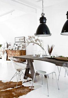 Kies voor een hanglamp en creëer hiermee de sfeer van de ruimte! Op Woonblog lees je meer over hanglampen voor ieder interieur.