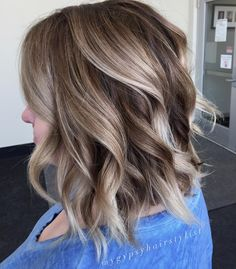Dimensional brunette balayage / textured lob/ medium length hair / blonde highlights