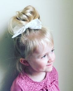 Toddler Hair, Toddler Fun, Little Girl Hairstyles, Messy Hairstyles, Mac Lipstick Colors, 2 Year Old Girl, Diy Crayons, Little Girls, Messy Bun