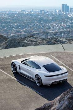 Porsche Mission E : Le concept car électrique de Porsche. Electric Car Concept, Best Electric Car, Electric Cars, Electric Porsche 911, Porsche Taycan, Porsche Panamera, Ferdinand Porsche, Porsche Mission E, Supercars