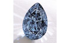 Le diamant bleu fancy vivid blue Mrs. Paul Mellon, Sotheby's New York http://www.vogue.fr/diaporama/diamants-de-couleurs-bleu-jaune-rose-vert/21305
