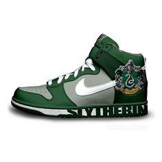timeless design fa2ca defb6 Slytherin Nike Dunks Harry Potter Shirts, Nike Free Skor, Nike Skor,  Sneakers Nike