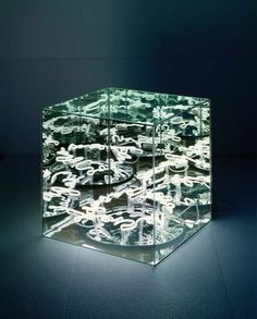 Brigitte Kowanz - Light cube