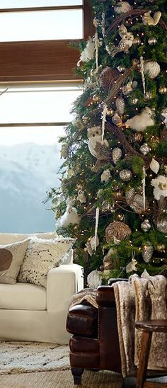 Rustic Christmas Tree (I love this look but Adam would probably hate the ornaments)