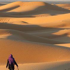 Sahara Desert Marocco -  @katherinenadamas by backpackerstory