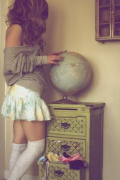 Does she come with the globe? White Knee High Socks, Thigh High Socks, Thigh Highs, Baggy Sweaters, Big Sweater, World Map Art, Warm Weather Outfits, Lovely Legs, Favim