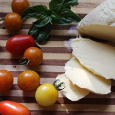 Make Mozzarella at Home - Rough & Tumble Farmhouse Home Made Mozzarella Cheese, Homemade, Simple, Farmhouse, Recipes, Food, Home Made, Essen, Eten