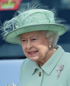 Queen Elizabeth II Photos Photos - Queen Elizabeth II Accompanied By The Duke Of Edinburgh Visits The North West - Day One - Zimbio Hm The Queen, Her Majesty The Queen, Save The Queen, Prince Charles And Diana, Prince Phillip, Queen Hat, Isabel Ii, Princess Margaret, Royal Jewels