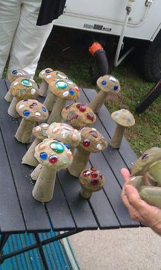 Discover thousands of images about Concrete garden mushrooms Concrete Crafts, Concrete Projects, Backyard Projects, Garden Projects, Projects To Try, Concrete Garden Ornaments, Garden Ideas, Cement Art, Concrete Art