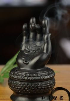 LOVE THIS!#!!! Incense holder - https://flipboard.com/section/top-10-best-incense-holder-burners-reviews-2014-__ZmxpcGJvYXJkL2N1cmF0b3IlMkZtYWdhemluZSUyRlpJc1BpcE9oUmdpRzNNZzljZXFZZFElM0FtJTNBMTc5MTY1ODg1