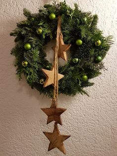 Best Screen Thoughts Among the absolute most lovely and elegant kinds of flowers, we carefully picked the matching ones a Christmas Owls, Christmas Makes, Christmas Time, Christmas Wreaths, Christmas Decorations, Xmas, Christmas Ornaments, Seasonal Decor, Holiday Decor
