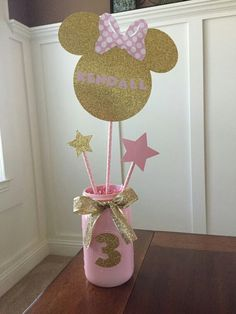 Minnie Mouse Name Center Piece. Pink and gold minnie mouse Minie Mouse Party, Minnie Mouse Party Decorations, Minnie Mouse 1st Birthday, Minnie Mouse Pink, Mickey Party, 1st Birthday Girls, First Birthday Parties, First Birthdays, Pirate Party