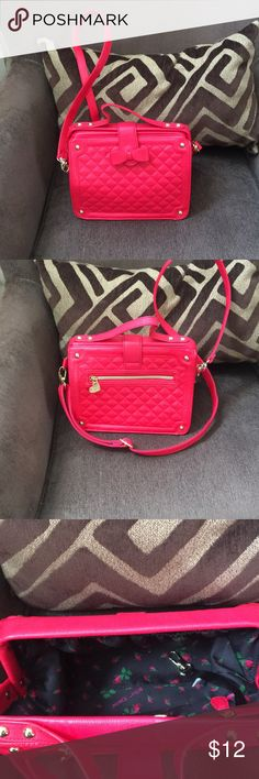 quilted bag looks hot pink in picture.. buts it's RED   quilted Betsey Johnson bag. used.. but in great condition  pet free and smoke free home.. comes from a well kept and clean home too!! Betsey Johnson Bags Crossbody Bags