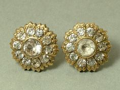 Gilt metal and paste flower earrings, dating from the 1940s / 50s. The earrings are probably silver gilt but Im selling as gilt metal as they are