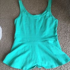 ❗️BOGO 50% off❗️Teal peplum tank! Teal peplum tank top with slight scoop neck back. Only worn once! Size extra small  Express Tops Tank Tops