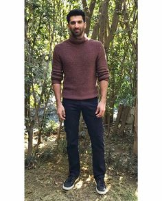 Aditya in New Delhi for OK Jaanu promotions. Knit and Jeans - @ZegnaOfficial Styling 👒 ~ @The.VainGlorious Assisted by @shradhapamnani @priyanka2.0  #AdityaRoyKapur #OkJaanu #ErmenegildoZegna #ZZegna #Zegna #NewDelhi #Delhi #Menswear #MensFashion