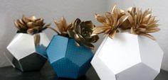 Decorar con originales macetas geométricas - http://www.decoora.com/decorar-originales-macetas-geometricas/
