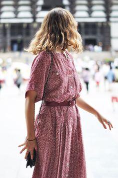exPress-o: Summer Style Tweak: Belting a loose maxi dress waysify Fashion Moda, Fast Fashion, Look Fashion, Womens Fashion, Club Fashion, 1950s Fashion, Belted Dress, Dress Skirt, Shirt Dress