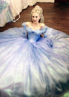 New behind the scenes image of Lily James as Cinderella.