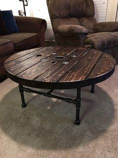 Vintage Wood Industrial Furniture Design Ideas – Decorating Ideas - Home Decor Ideas and Tips Industrial Design Furniture, Vintage Industrial Furniture, Pipe Furniture, Industrial House, Pallet Furniture, Vintage Wood, Furniture Projects, Rustic Furniture, Furniture Design