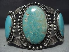 MUSEUM-QUALITY-VINTAGE-NAVAJO-BLUE-TURQUOISE-STERLING-SILVER-CUFF-BRACELET-OLD