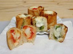 Un idea sfiziosa e gustosa per riciclare il pane e servire un antipasto alternativo o un'allegra merenda, baguette ripiena, riciclare il pane.
