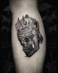 Search inspiration for a New School tattoo. Tattoo Images, Tattoo Photos, All Tattoos, Angel Tattoo Men, Lower Back Tattoos, Big Tattoo, Arm Band Tattoo, Tattoo Studio, Picture Tattoos