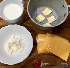 Mozis sajtszósz házilag 5 perc alatt | Cinnamon 4X Nachos, Feta, Dairy, Cheese, Halloween, Tortilla Chips, Spooky Halloween