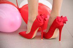 moda-eny.blogspot.com: VALENTINE'S DAY 2016 #fetishpantyhose #pantyhosefetish #legs #heels #blogger #stiletto #pantyhose #collant #tan