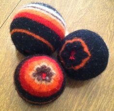 Babyfingers: How to make dryer balls out of wool sweaters