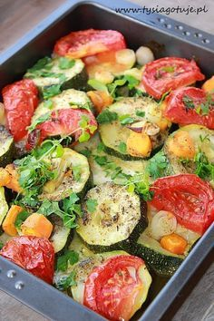 Zapiekane warzywa w marynacie czosnkowo - ziołowej | Tysia Gotuje Veggie Recipes, Diet Recipes, Vegetarian Recipes, Cooking Recipes, Healthy Recipes, Best Appetizers, Food Design, Food Inspiration, Easy Meals