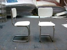 How-to: Dollhouse Kitchen Chairs