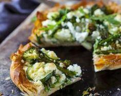Tarte légère de légumes verts à la feta : http://www.fourchette-et-bikini.fr/recettes/recettes-minceur/tarte-legere-de-legumes-verts-la-feta.html