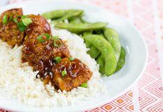 Vous êtes un grand fan du poulet du Général Tao? Voici une variante québécoise absolument décadente et très facile à préparer.... Miam! Chicken Recipes Under 300 Calories, Low Calorie Chicken Recipes, Clean Recipes, Cooking Recipes, Healthy Recipes, Healthy Options, Healthy Foods, Soup Recipes, Diet Recipes