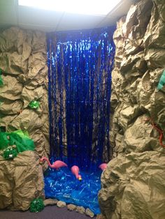 Jungle Safari VBS -The waterfall made out of a door streamer thingy is a good idea. Safari Theme, Jungle Safari, Jungle Jam, Decoration Creche, Diy Jungle Decorations, Welcome To The Jungle, Vacation Bible School, Thinking Day, Kids Church