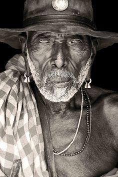 old samburu from logologo / kenya by abgefahren2004, via Flickr | African Portraits by Mario Gerth