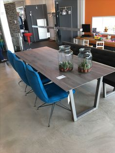 Leuke stoelen, tafel en idee bankje (!)  (Van Waaij)