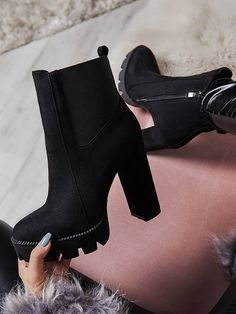 Trendy High Heels For Ladies : Black Stylish Boots Chunky High Heels, Black High Heels, High Heel Boots, Bootie Boots, Shoe Boots, Ankle Boots, Women's Shoes, Black Heel Boots, Fall Shoes